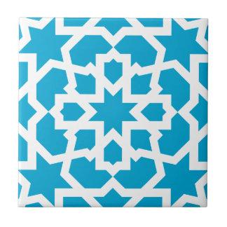Azulejo azul de arabesco marroquí y mosaico
