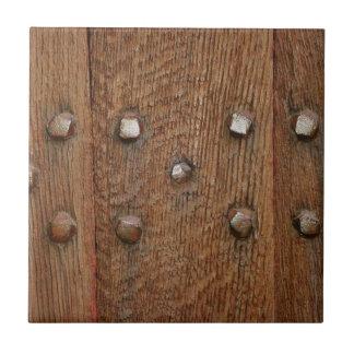 Azulejo Clavos de madera viejos de la antigüedad de la
