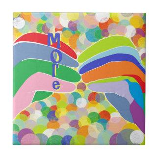 """Azulejo De Cerámica ASL """"MÁS"""" en un fondo brillante de la burbuja"""