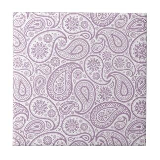 Azulejo De Cerámica Blanco y vintage púrpura Paisley del ciruelo