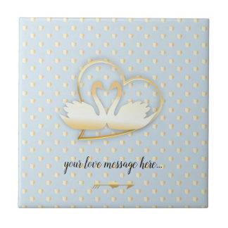Azulejo De Cerámica Cisnes de oro del corazón, amor apacible