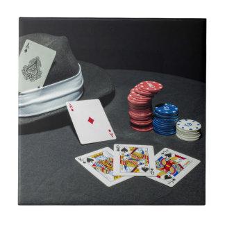 Azulejo De Cerámica El póker carda el gorra del gángster