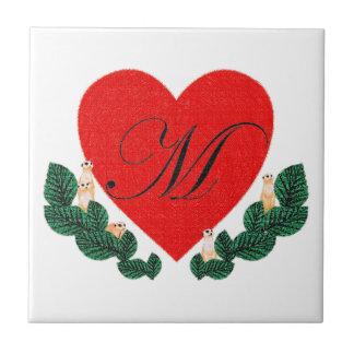 Azulejo De Cerámica M en un corazón