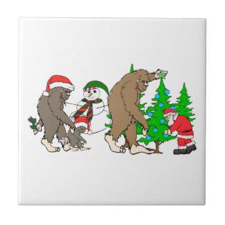 Azulejo De Cerámica Muñeco de nieve de Bigfoot Santa