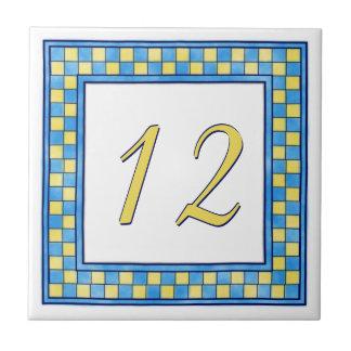 Azulejo De Cerámica Número de casa azul y amarillo