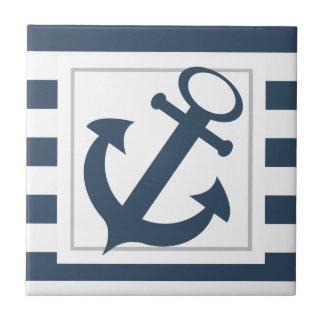 Azulejo De Cerámica Rayas azules náuticas con el ancla