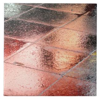 Azulejo De Cerámica Reflexiones en un pavimento mojado