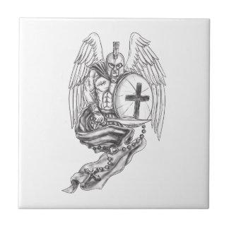 Azulejo De Cerámica Tatuaje espartano del rosario del escudo del ángel