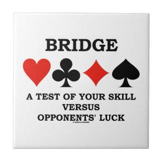 Azulejo De Cerámica Tienda un puente sobre una prueba de su habilidad