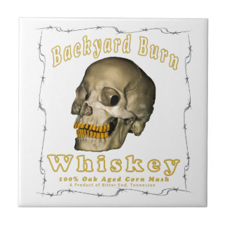 Azulejo De Cerámica Whisky de la quemadura del patio trasero