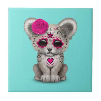 Azulejo Día rosado del león Cub muerto