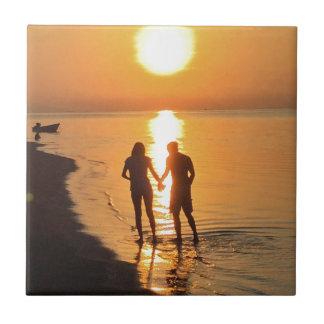 Azulejo Dos amantes en la salida del sol