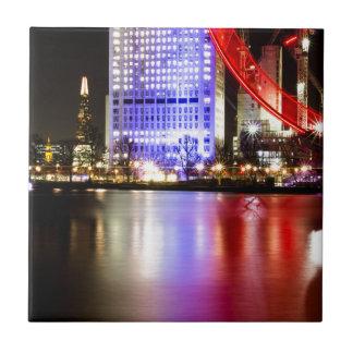 Azulejo El río Támesis en color en la noche