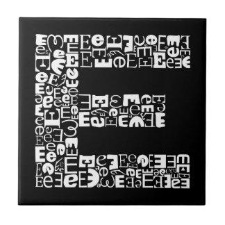 Azulejo La letra E del alfabeto