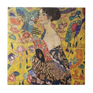 Azulejo Mujer hermosa con la fan por Klimt