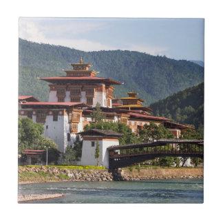 Azulejo Templo budista por el río