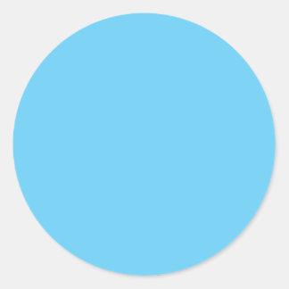 Azules cielos pegatina redonda