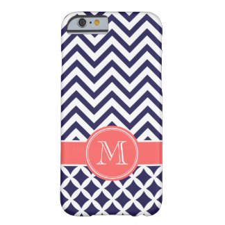 Azules marinos y monograma coralino del funda de iPhone 6 barely there