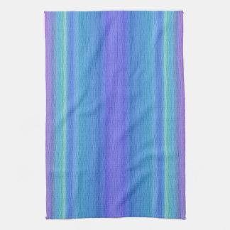 Azules y toalla de cocina rayada púrpura