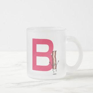 B está para la letra de salto feliz del ABC de la Taza De Cristal Esmerilado