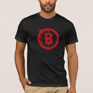 B grande camiseta