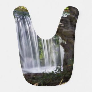 Babero Cascada enfocada