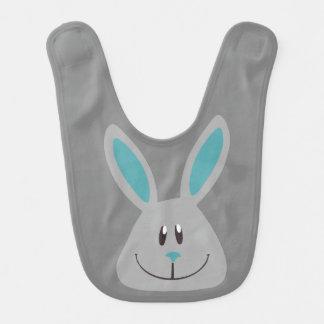 Babero gris del conejito