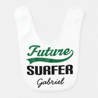 Babero personalizado persona que practica surf
