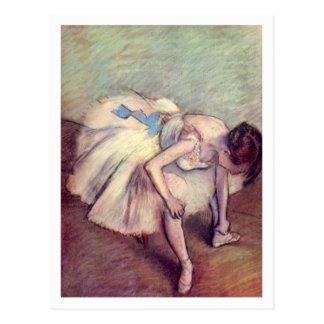 Bailarín asentado de Edgar Degas Postal