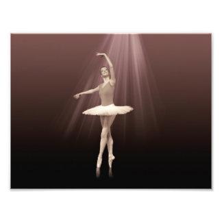 Bailarina en Pointe en tinte pelirrojo Impresiones Fotográficas