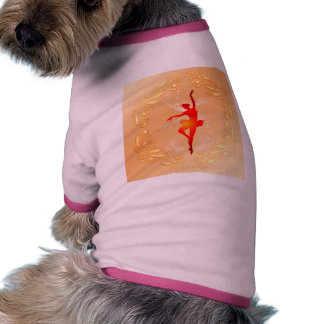 Bailarina hermosa camiseta con mangas para perro