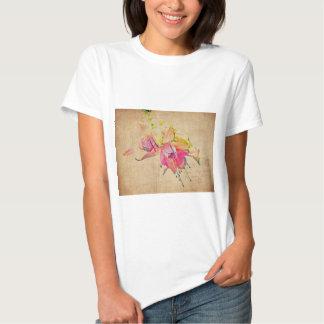 Baile en el viento - flores fucsias camiseta