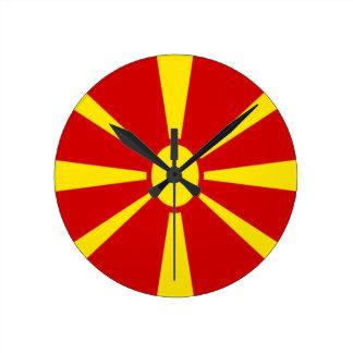¡Bajo costo! Bandera de Macedonia Reloj Redondo Mediano