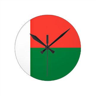 ¡Bajo costo! Bandera de Madagascar Reloj Redondo Mediano
