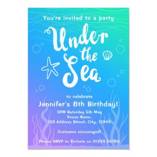 Bajo invitación del fiesta de los niños de la