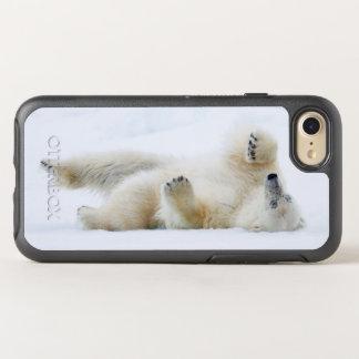 Balanceo del oso polar en la nieve, Noruega Funda OtterBox Symmetry Para iPhone 8/7