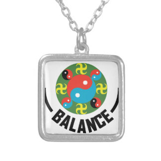 Balanza de Yin Yang Collar Plateado