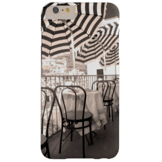 Balcón pintoresco del restaurante, Italia Funda Barely There iPhone 6 Plus