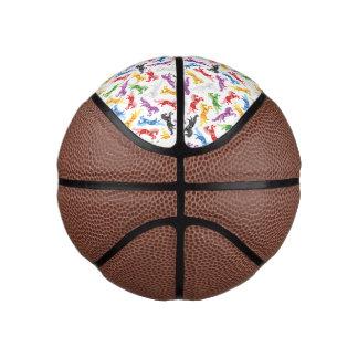 Balón De Baloncesto Caballos de salto coloreados del modelo