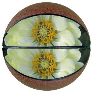 Balón De Baloncesto Flor amarilla clara de la dalia
