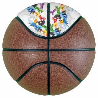 Balón De Baloncesto Unicornios salvajes coloridos del ejemplo