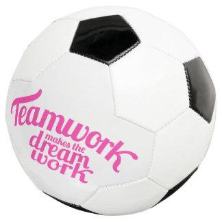 Balón De Fútbol El trabajo en equipo hace que el trabajo ideal