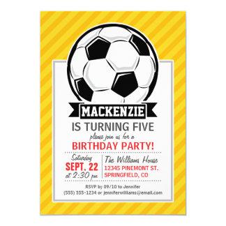 Balón de fútbol en rayas amarillas invitación 12,7 x 17,8 cm