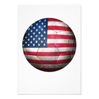 Balón de fútbol gastado de fútbol de bandera ameri anuncio