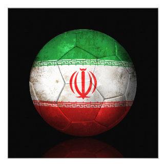 Balón de fútbol iraní gastado de fútbol de bandera invitación