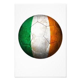 Balón de fútbol irlandés gastado de fútbol de band anuncio