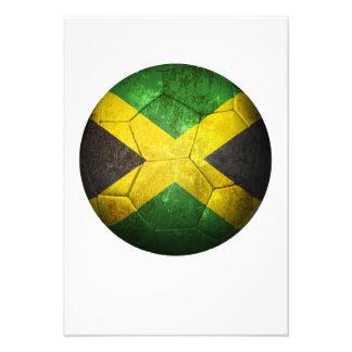 Balón de fútbol jamaicano gastado de fútbol de ban comunicados personales