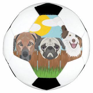 Balón De Fútbol Perros afortunados del ilustracion en una cerca de