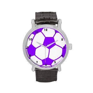 Balón de fútbol púrpura violeta reloj