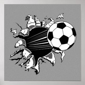 Balón de fútbol que revienta hacia fuera póster